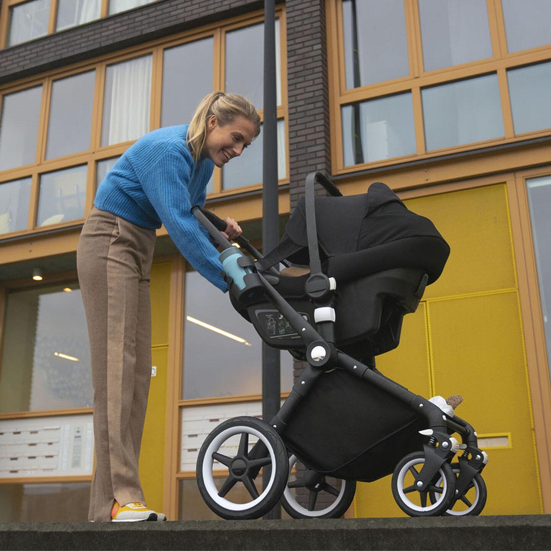 Car seat on Lynx stroller