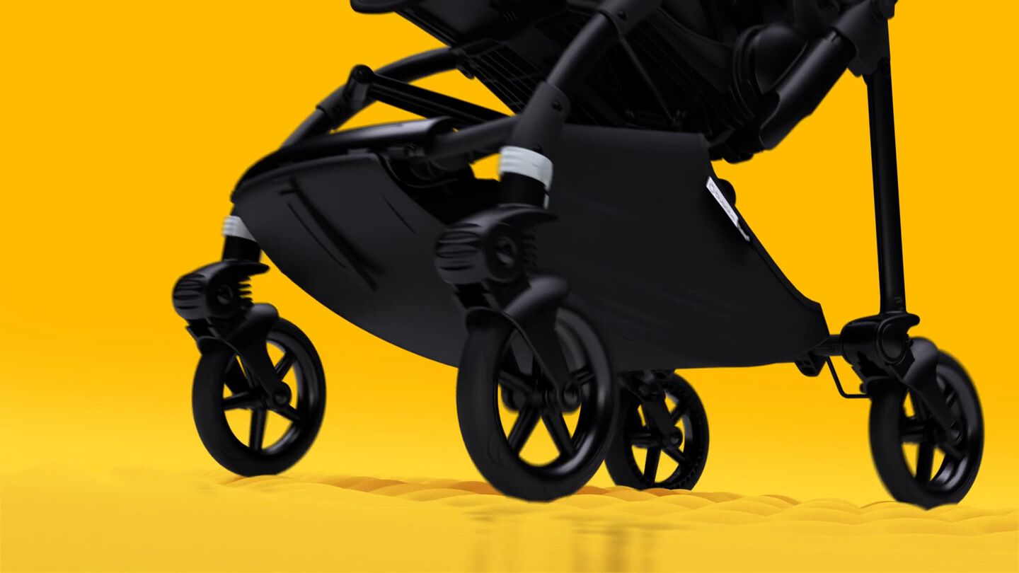 Video displaying how easy it is to drive the Bugaboo Bee 6 stroller