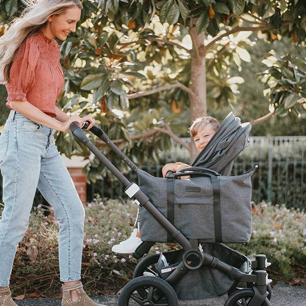 Child in Donkey 3 Mono stroller