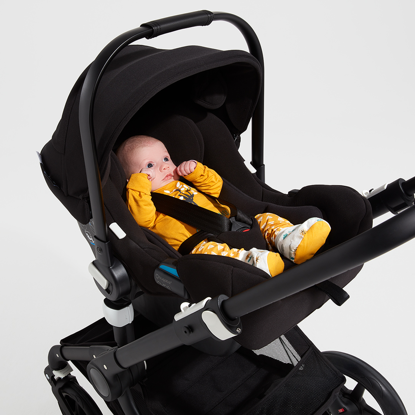 Bugaboo Turtle by Nuna car seat BLACK